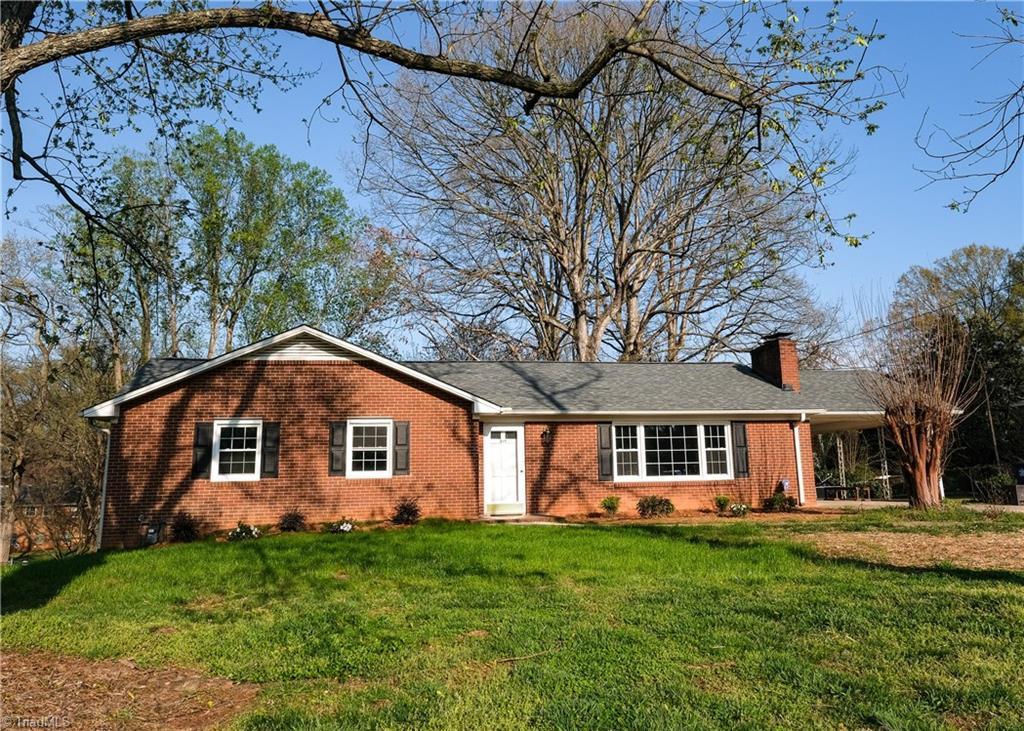 819 Minorcas Rd, Winston Salem, NC, 27196