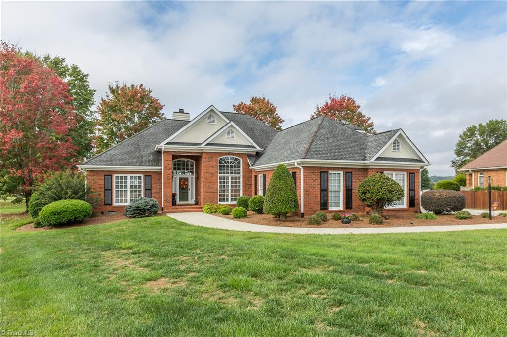 """This beautiful brick transitional home sits in a cul-de-sac in the prestigious Oak Valley community. Soaring 12' ceilings invite you into the main living area where the formal dining room is open to the living room. Floor-to-ceiling windows fill this space with natural light. The large kitchen is open to the breakfast nook and has plenty of storage in the cabinets as well as a pantry closet. Solid surface """"Corian"""" countertops wrap the kitchen providing plenty of workspace. A large half bath serves guests on the main level. The oversized primary bedroom ha"""