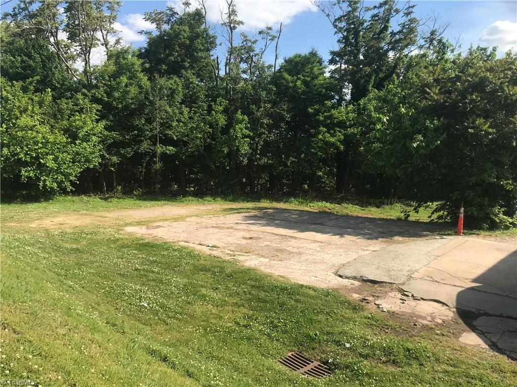 Land Special with many potential uses!!!  Zoned 'U' for Uptown Use - Multi-Use Best Use 'Commercial' !!! Vacant Property:  plans to build will have to go thru Lexington Zoning Planning Board and City Council.