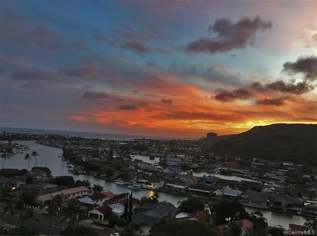 High floor Plaza Hawaii Kai two bedroom with fantastic ocean view from the lanai and master bedroom.