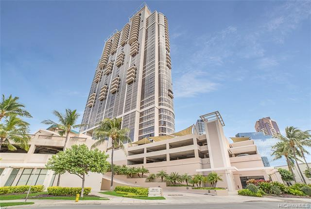 Beautifully maintained condo with incredible views and a prime location! Move-in ready 1-bedroom w/