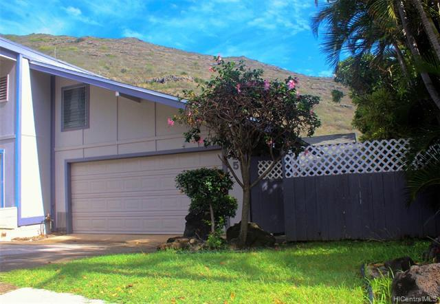 Hawaii Kai at an amazing price point! This attached 3bd/2ba home in desirable Kalama Valley has no m