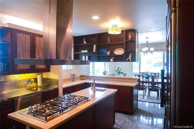 Gas gourmet stove, lots of cabinetry and natural lighting through generous sized windows make cooking a pleasure.