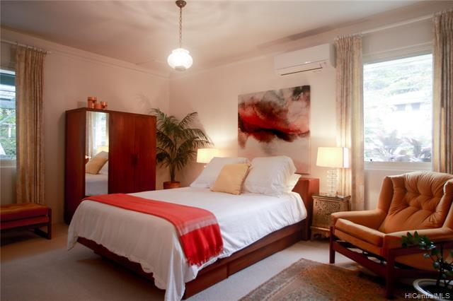 Main Bedroom Suite features cooling sounds from the garden.