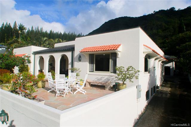 Grand front view deck and courtyard is a wonderful place to entertain and view the sunsets.