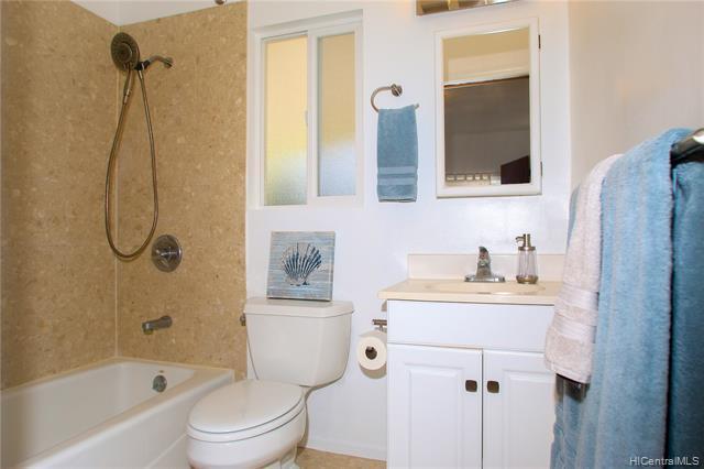 En-suite 2nd bathroom- modern fixtures, great ventilation and clean lines.