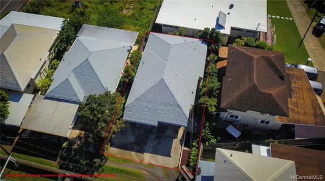 New CertainTeed Asphalt Shingle Roof Professionally installed in 2019 and under warranty.  All previous layers removed.