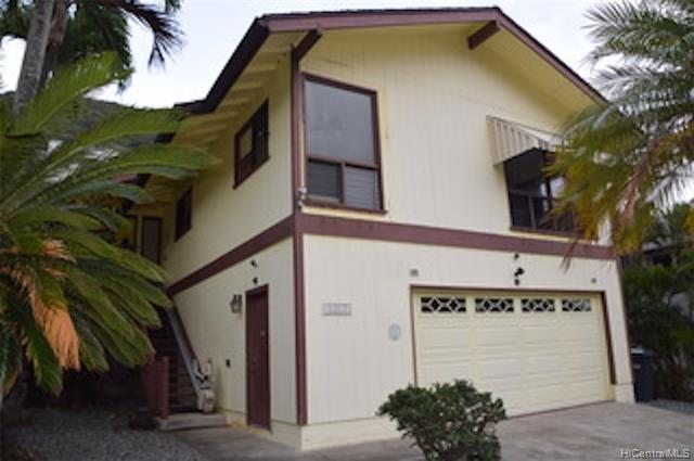 Located in Hawaii Kai, one of the most desirable neighborhoods on Oahu.  All that is needed is a lit