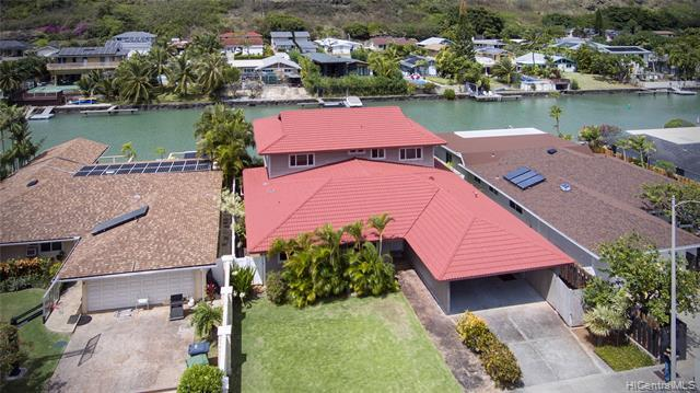 Marina front living at its best!  Spacious, two-story residence located in popular Spinnaker Isle ne