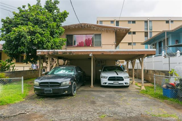 Two story - 3 bedroom 1 bath upstairs with 3 bedroom 1 bath downstairs.   Downstairs unit recently r