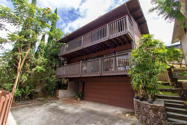 RARELY AVAILABLE and beautifully maintained 3 bedroom 2.5 bath home in the private community of Kane'ohe Woods. Enjoy the open and spacious layout, high ceilings, fenced backyard, and fantastic views of the Ko'olau Mountains from your two decks. Low maintenance fees include the water/sewer and maintenance of the common areas and community basketball court! Conveniently located near stores, restaurants, schools, Ho'omaluhia Botanical Garden, the Marine Corp Base, the H-3, Pali and Likelike Hwys.