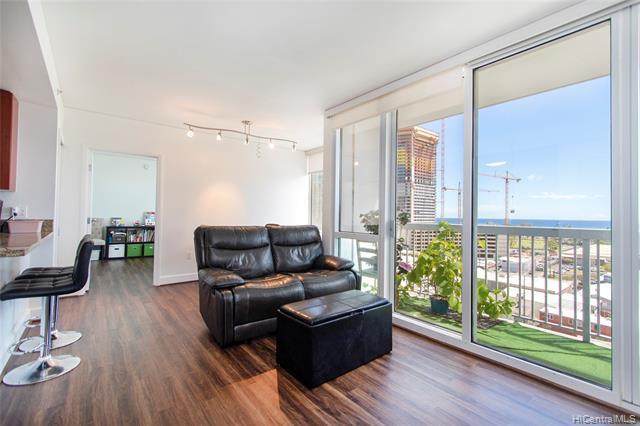 Beautiful unit with OCEAN VIEWS from every room's floor to ceiling windows and lanai in pet-friendly building conveniently located in Kakaako! Condo features stainless steel appliances in kitchen with granite counters/wood cabinets, newer washer & dryer, newer vinyl plank flooring and split a/c units in living room and bedrooms! You will enjoy the building's close location to Ward Village, Blaisdell Center, Ala Moana Shopping Center/Beach, restaurants and Downtown!