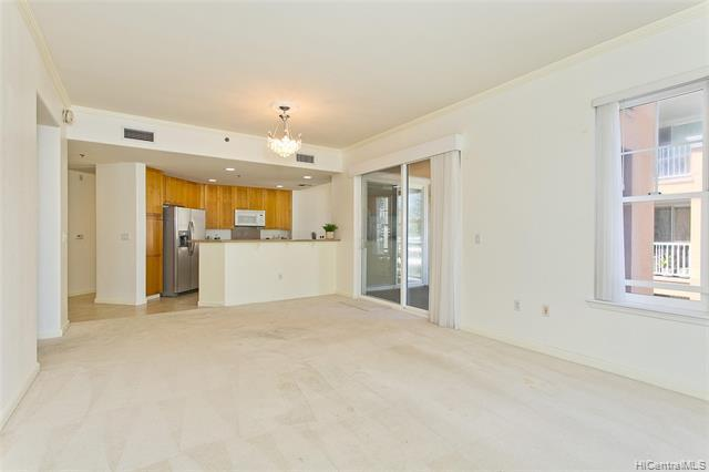 Live the life you love at the Colony at the Peninsula. Spacious 3 bedroom, 2 bathroom condo in desir