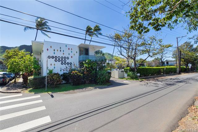 Rarely available nice 2 bedroom and 1 bath condo. Excellent location, close to the beautiful Sans Souci Beach, Waikiki Beach, Kapiolani Park, and the famous Diamond Head. Restaurants, food venues all around. Hike Diamond Head, hang out at Sans Souci beach, Waikiki beach, swim, snorkel and surf. Yoga, Tai Chi, walk or jog at Kapiolani park, how about a picnic on a weekend or a holiday at beach or park?  A national blue ribbon school, Waikiki School is located right at Leahi Ave. 5 minutes walking distance. UH Kapiolani Community College is just at base of Diamond Head. City bus is only one block away.  Amenities: swimming pool, BBQ area, community laundry, bike rack. Resident manager on site. Low Maintenance fees.