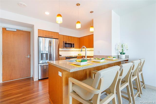 Enjoy the convenient Kakaako lifestyle from this move in ready, corner, 2bd/2ba unit! With H-Mart, SALT, Down to Earth, shopping & eateries nearby you'll never be bored. This unit features a large walk-in closet, floor to ceiling windows, & a spacious lanai. Located on the cool sunrise side of the building. Keauhou Place has tons of amenities to enjoy & is pet friendly!
