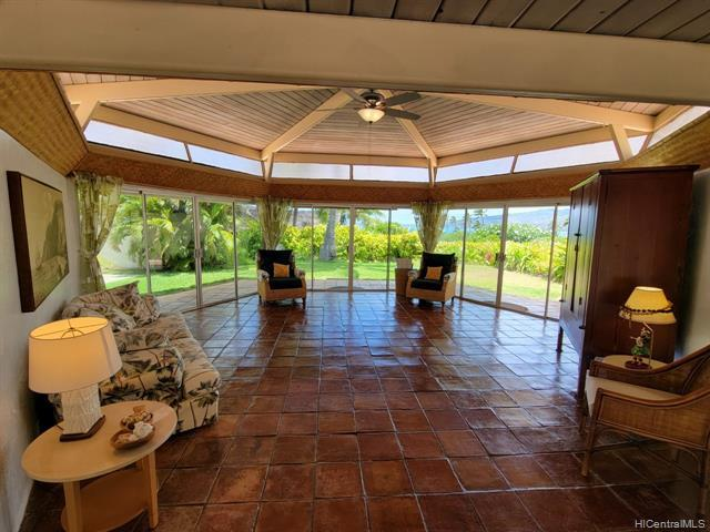 This home is more than the photos can show, this wide open floor plan is OHANA! This flat, one of a