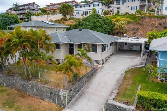 NEW LISTING in Kailua! MOVE-IN-READY 3bed/2bath single family home in the highly desired Keolu Hills neighborhood.  This fantastic home features new carpet, fresh paint inside and out, upgraded copper plumbing, upgraded electrical, bonus workshop and more! Live the good life in Kailua just minutes to world famous beaches (Lanikai and Kailua Beach), hiking trails, parks and Kailua town with shopping, eateries & nightlife. Do not miss out on this opportunity to own your very own PIECE OF PARADISE!