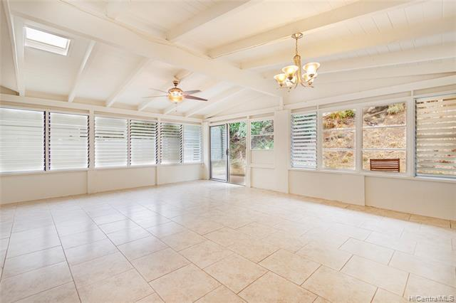 Spacious enclosed lanai area is perfect for entertaining.