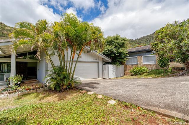 BRAND NEW LISTING in Hawaii Kai! Move right in to this fantastic, SINGLE  LEVEL 4 bed/2 bath SFH with attached 2 car garage. Features include a renovated kitchen with granite countertops and newer cabinets, fresh exterior paint, wood laminate floors, clean & upgraded bathrooms and more! Live the good life in one of East Honolulu's most coveted neighborhoods just a short drive to town and in an International Baccalaureate school district. Enjoy the cool valley breezes and nearby parks, hikes and beaches plus the convenience being minutes from Costco, restaurants and shopping. DO NOT MISS THIS ONE!