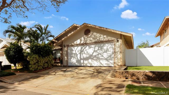 Great price! Great location desired single level home right off Kolowaka Drive, easy-care ceramic tile floors, the main bath has a new renovation with walk-in shower, enjoy gas cooking, nice size enclosed garage.   This is a good starter home that you can come and customize to your liking.    Enjoy gardening?  Nice garden along the entryway already started for you.  Come and make this your next home.  One-day notice is required.