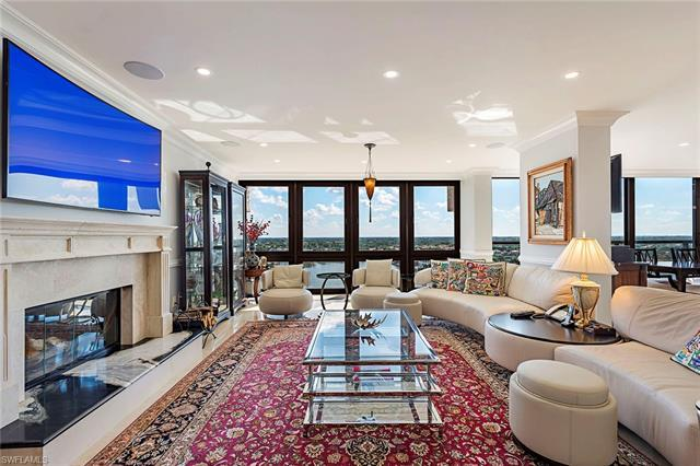 This 12th-floor penthouse has been entirely renovated to the highest of specification and quality. E