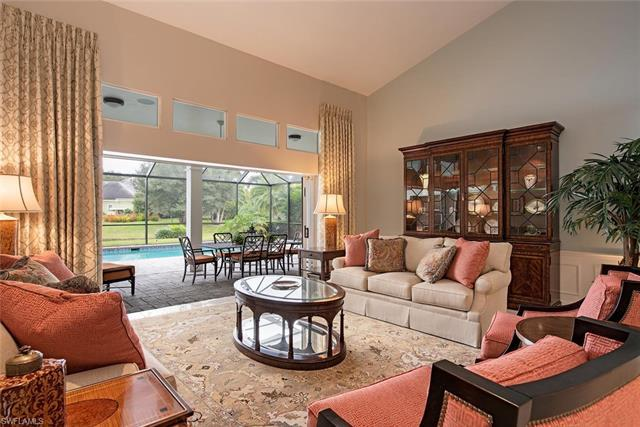 H.15458   Gracious lakefront living in beautiful Georgetown. Welcome home to a lovely home with flow