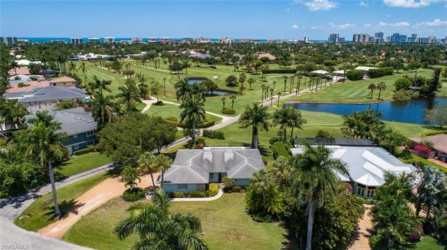 H.14597 - This is a prime location on the Moorings Country Club golf course with an awesome view ove