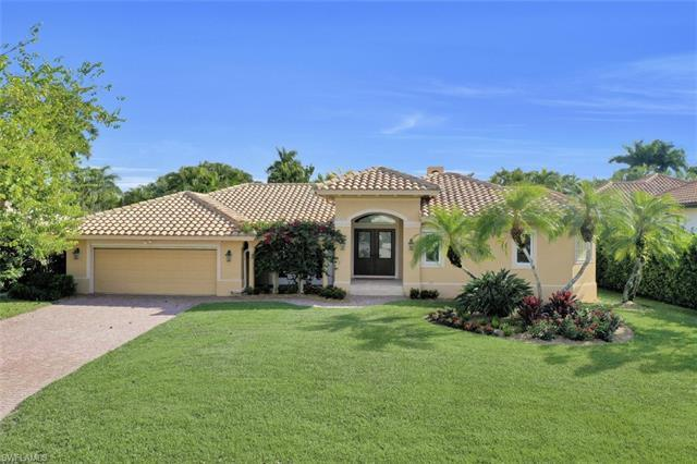 """The perfect pandemic house! Southern exposure, move-in ready """"West of 41"""" Park Shore pool home has o"""