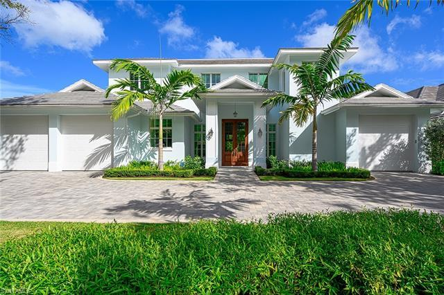 Idyllic residence nestled on beautiful tree lined Riviera Drive and just a short distance to the ico