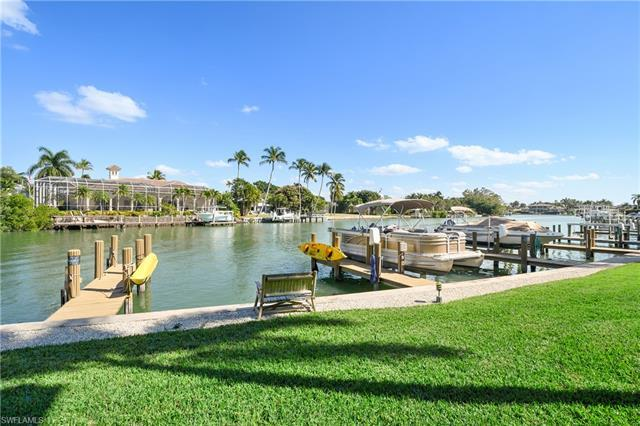 C.17132 - Waterfront living at it's best on fabulous Gulf Shore Boulevard! Don't miss this rare oppo