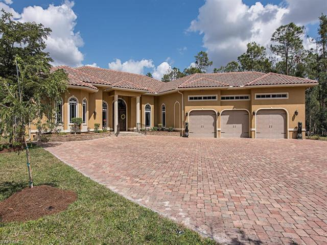 H206 Prepare to be amazed the second you step onto this one of a kind property! Perfectly situated o