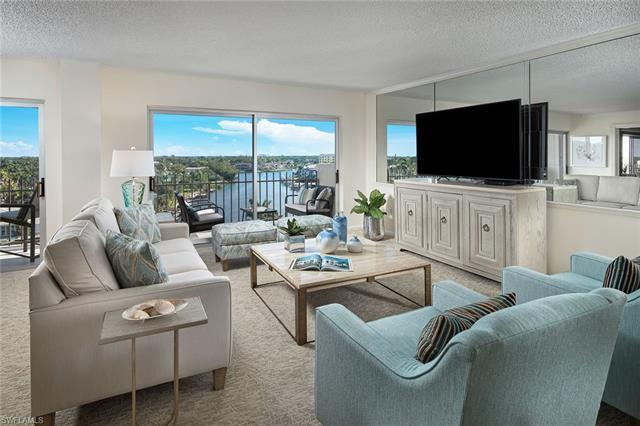 Enjoy endless bay views and a glimpse of the Gulf from this well laid out penthouse in Kingsport.  T