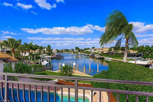 Fantastic waterfront location! Situated on Park Shore's premier street, and offering long water view