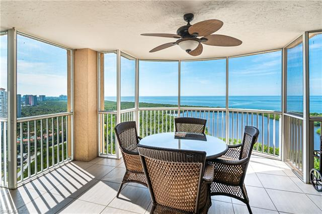 Gorgeous Gulf views from this 21st floor condo in St. Laurent.  Condo was recently remodeled, includ
