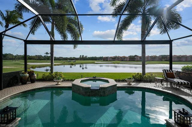 V.2968 - Fabulous view and GOLF MEMBERSHIP Available in Grey Oaks, one of Naples premier Country com