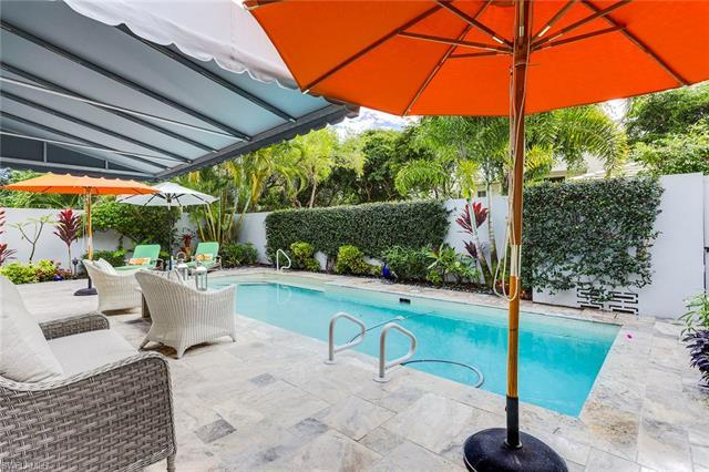 Find your place in the sun in this gorgeous Villa Lantana. Tropical colors accent the beautifully la