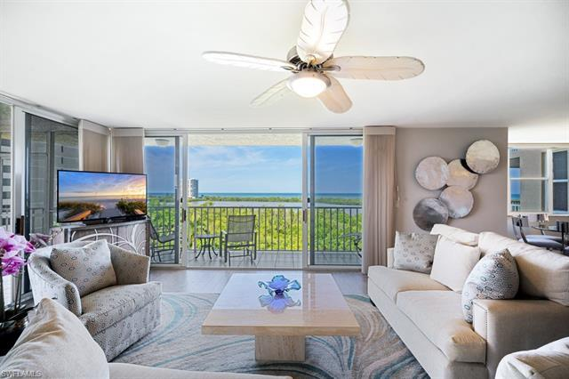 Unbelievable Gulf of Mexico and Clam Bay views from this completely renovated 3 bed / 2 bath end uni