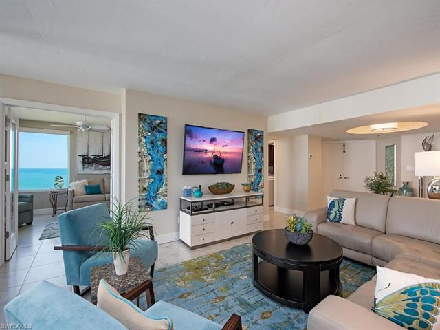 Indulge in the best that the luxurious Naples beachfront lifestyle has to offer. This magnificently