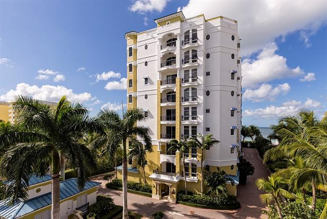 1801 Gulf Shore Blvd N 303, Naples, FL, 34102