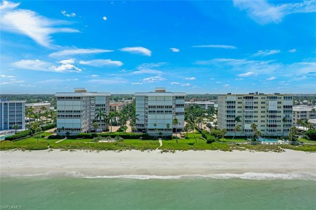 C.17598  Enjoy panoramic gulf views & sunsets from this elegant and spacious 3 bedroom beachfront re