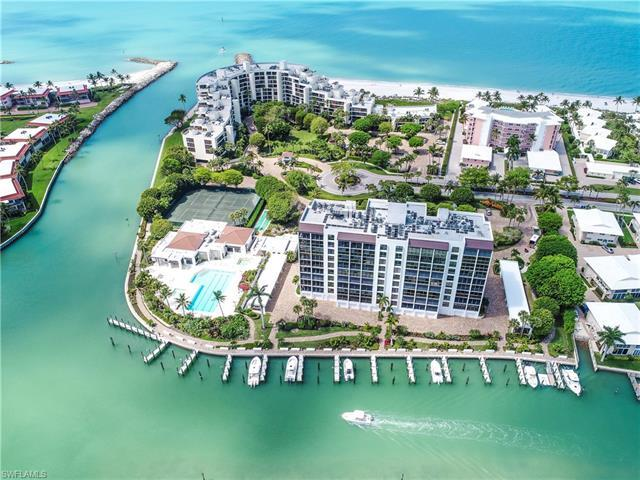 Here are some of the very best waterfront views in Naples!  Panoramic bay views as well as gorgeous