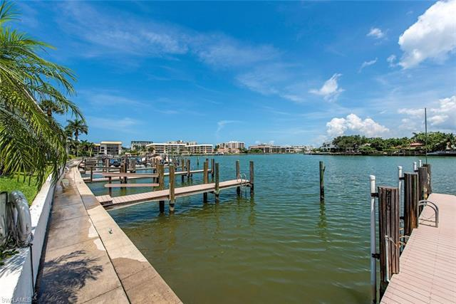 333 Harbour Dr 209, Naples, FL, 34103