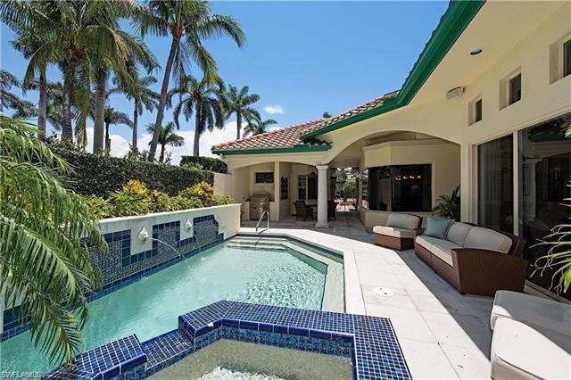V.2863 - Bay Colony Vizcaya Villa PRICE LEADER! Luxurious and rare tropical garden courtyard cul-de-