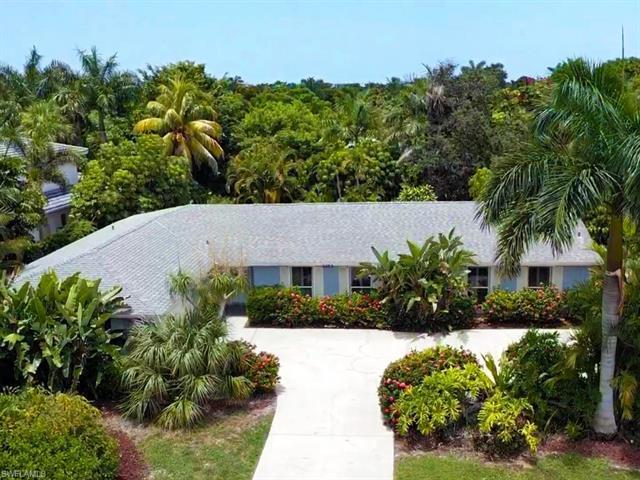 3353 Binnacle Dr, Naples, FL, 34103