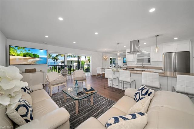 C.17803 - Newly renovated beachfront condo with unobstructed gulf views with an open concept floor p
