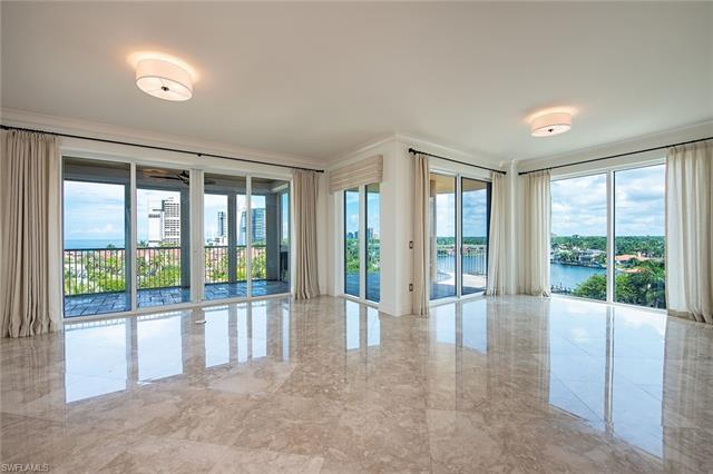 Enjoy Gulf of Mexico, Venetian Bay and city views from this ideal elevation in Aria at Park Shore! T