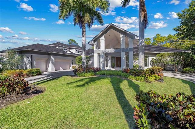 Grey Oaks Full Golf Membership available with the purchase of this home! This well-maintained clean