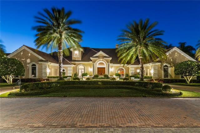Located in the heart of Pelican Bay, exclusive Pointe Verde is a gated enclave of l3 estate homes su