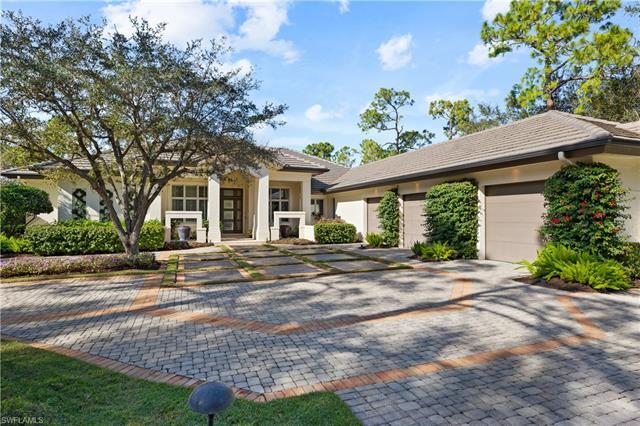 This breathtaking Sand Dollar award winning home, designed by Beasley and Henley, is a beautiful mod
