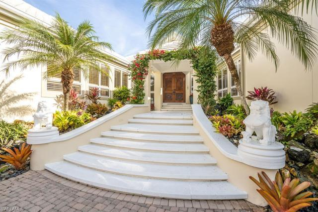 PLEASE JOIN ME IN VIEWING ONE OF THE MOST EXQUISITE HOMES IN PORT ROYAL. As you enter this Bahamian